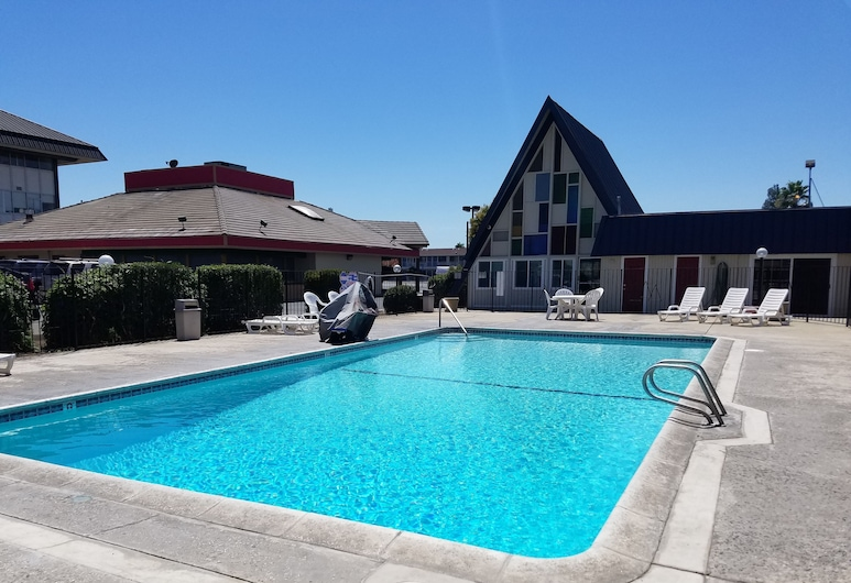 Economy Inn, Fresno, Basen
