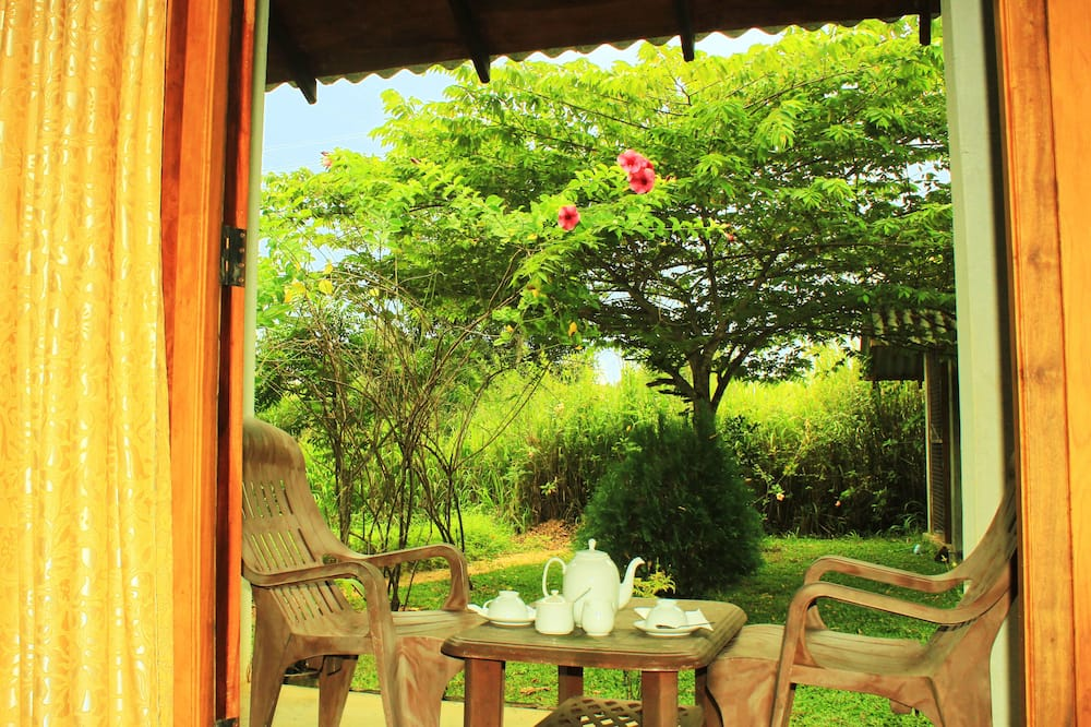 Standard Double Room, 1 King Bed, Garden View - Garden View