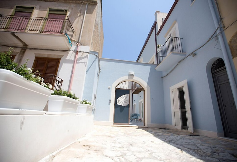 B&B Kolors, Castellammare del Golfo, Exterior