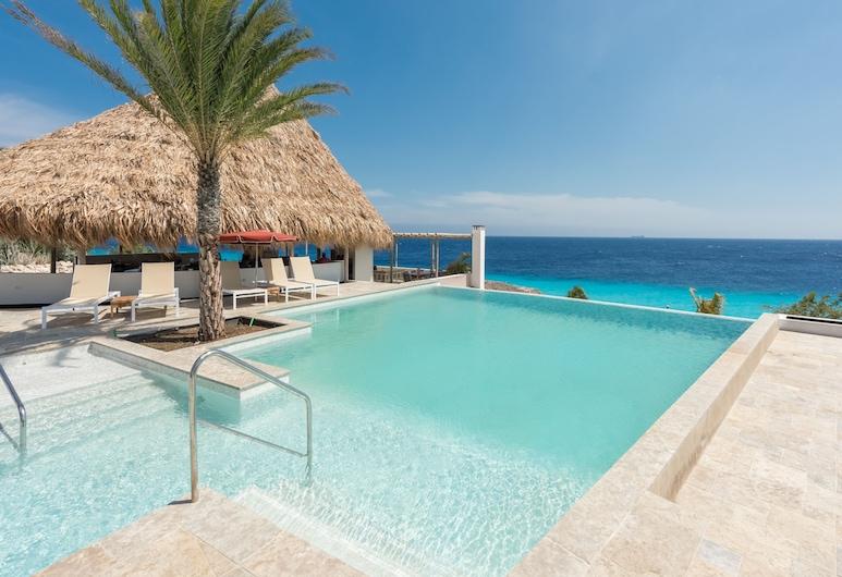 Oasis Coral Estate Beach, Dive & Wellness Resort, St. Marie
