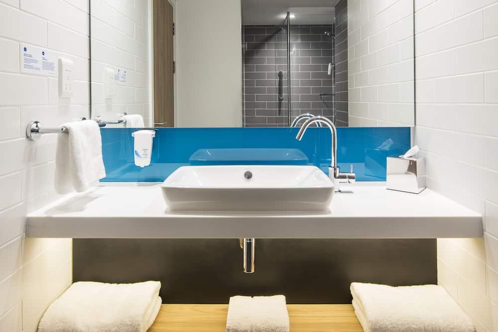 Номер, 1 двоспальне ліжко, для некурців - Ванна кімната