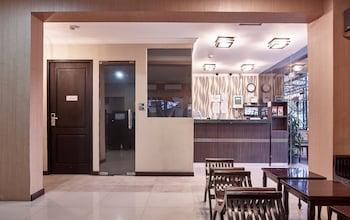 Cakarta bölgesindeki Twins Hotel Manggadua resmi