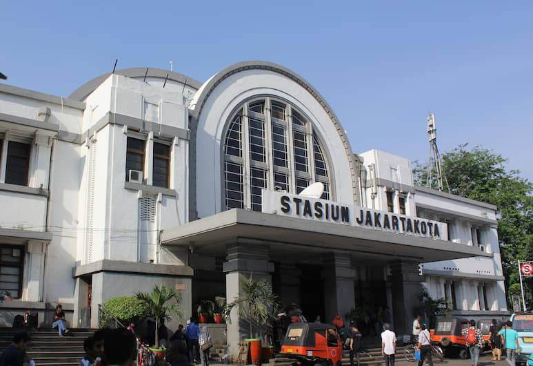 Twins Hotel Manggadua, Jakarta, Exterior