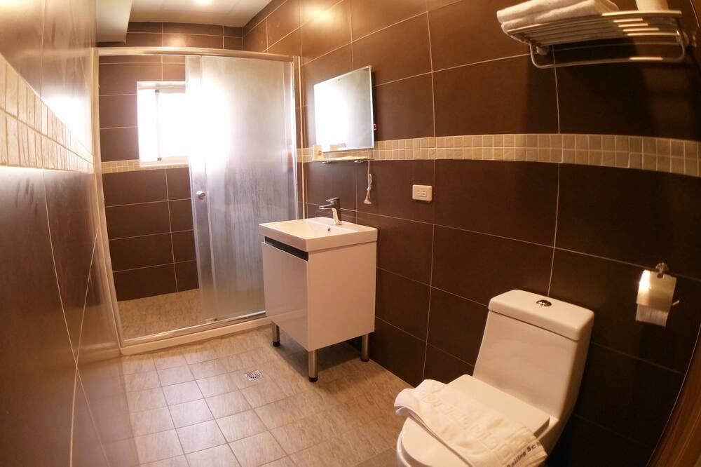 Dobbeltværelse - 1 dobbeltseng - Badeværelse
