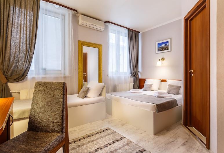 Mayak Hotel, Moskwa, Pokój dla 3 osób Comfort, 3 łóżka pojedyncze, Pokój