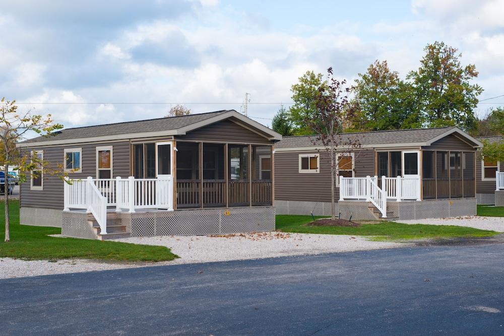 geneva cottages state cabin park cedar