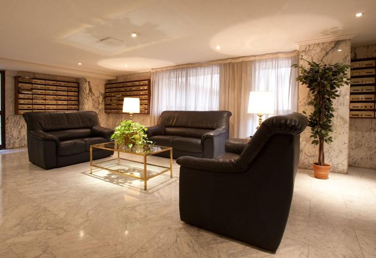Apartamentos Goya 75, Madrid, Sitzecke in der Lobby