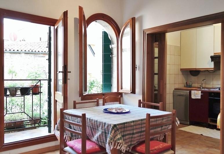 Ca' Aldo, Venice, Apartment, 2Schlafzimmer (Calle Magno, 2597), Essbereich im Zimmer