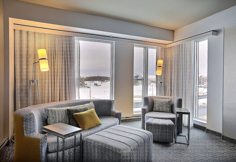 Courtyard by Marriott Quebec City, Quebec, Superior Room, 1 King Bed, Non Smoking, Guest Room