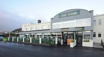 Picture of The Titan in Clydebank