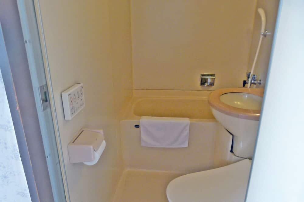 Twin Room, Beach View - Bathroom