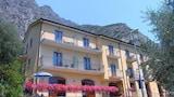 Choose This 3 Star Hotel In Limone sul Garda