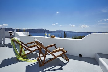 Picture of Helianthus Suites in Santorini