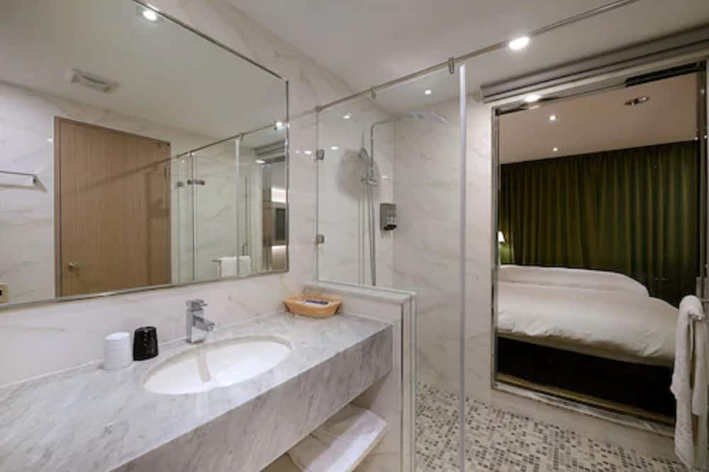 Classic Dört Kişilik Oda - Banyo