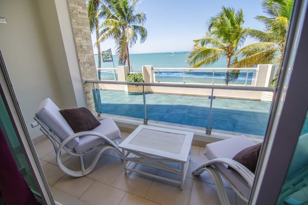Beachfront Apartment, 2 Bedrooms, 1 Bathroom - Balkong