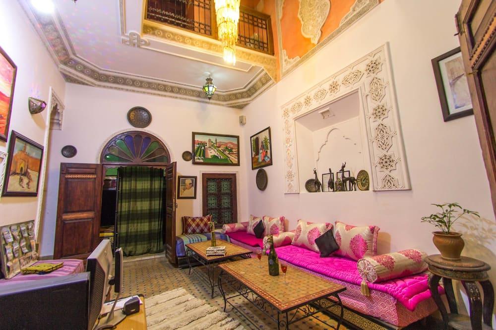 Basic Single Room, 1 Single Bed - Living Area
