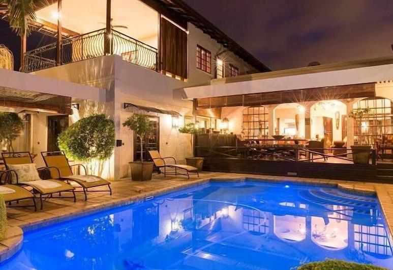 Five Burnham, Umhlanga, Outdoor Pool