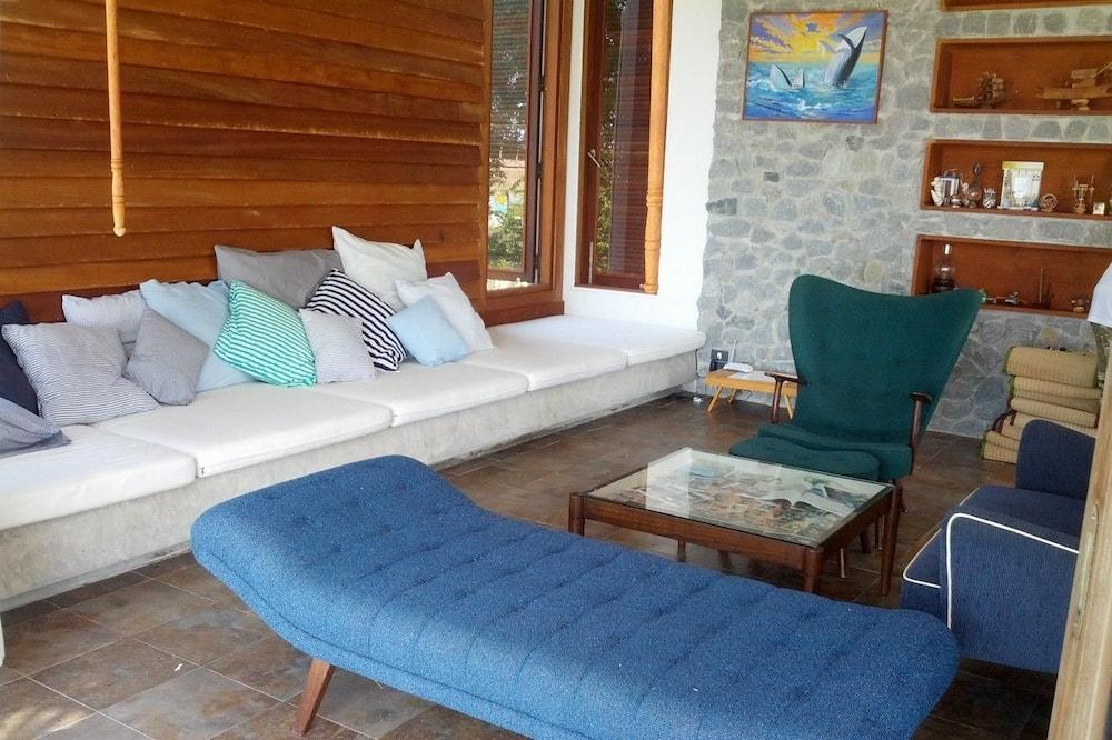 Villa, 2 Bedrooms, Beach View - Ruang Tamu