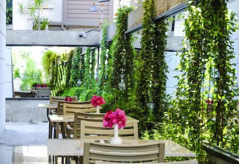 Antalya NUN Hotel, Antalya, Speisen im Freien