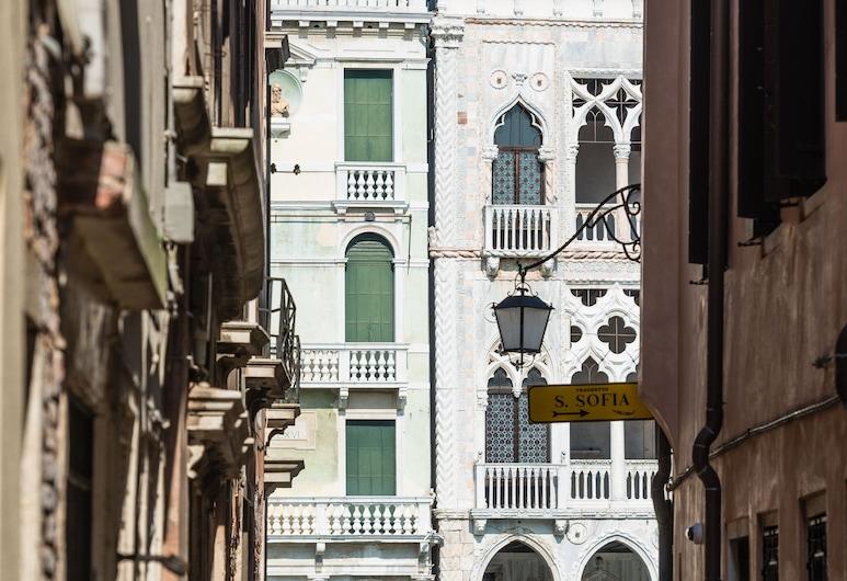 폴로스 트레저스, 베네치아, 숙박 시설 입구