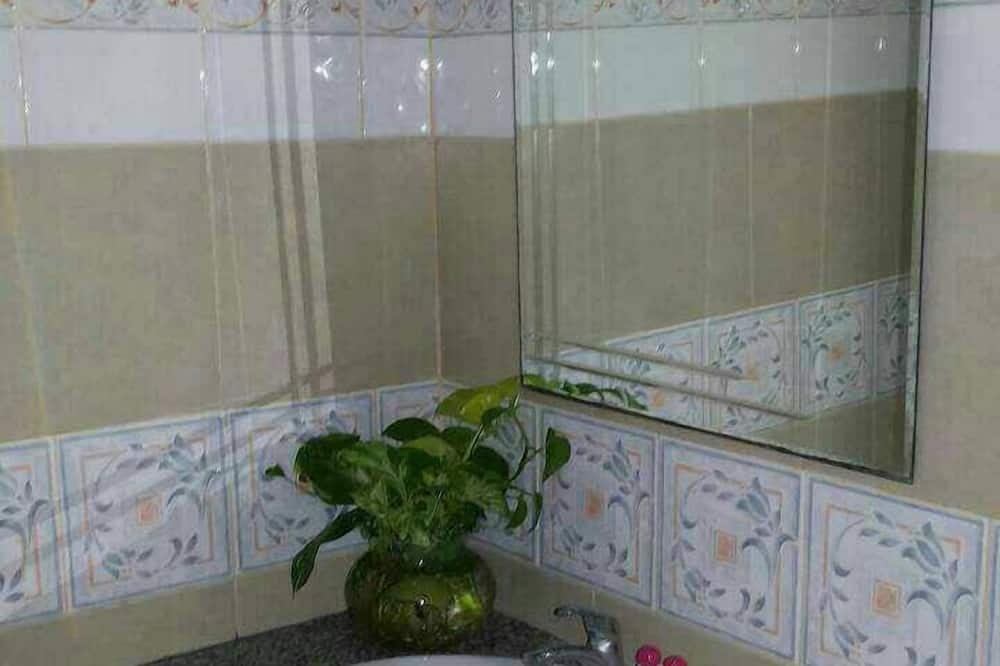 Standard Twin Room - バスルーム