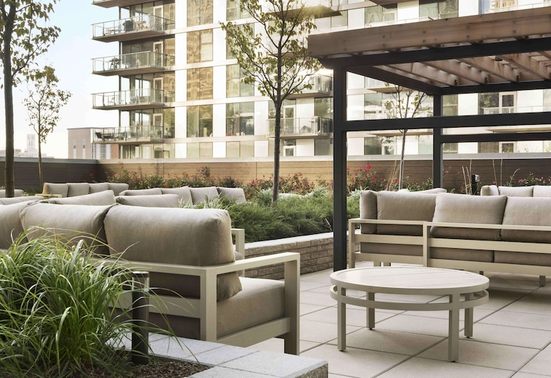 Homewood Suites by Hilton Chicago Downtown West Loop, Chicago, Terrace/Patio