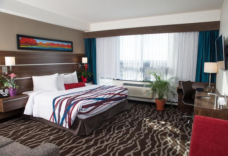 Encore Suites by Service Plus Inns, Grande Prairie, חדר סטנדרט, מיטת קינג וספה נפתחת, מטבחון, חדר אורחים