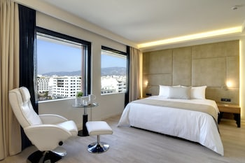 Picture of Athens Avenue Hotel in Kallithea