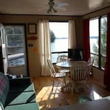 Deluxe Cottage, 2 Bedrooms (Cottage#1) - Living Room