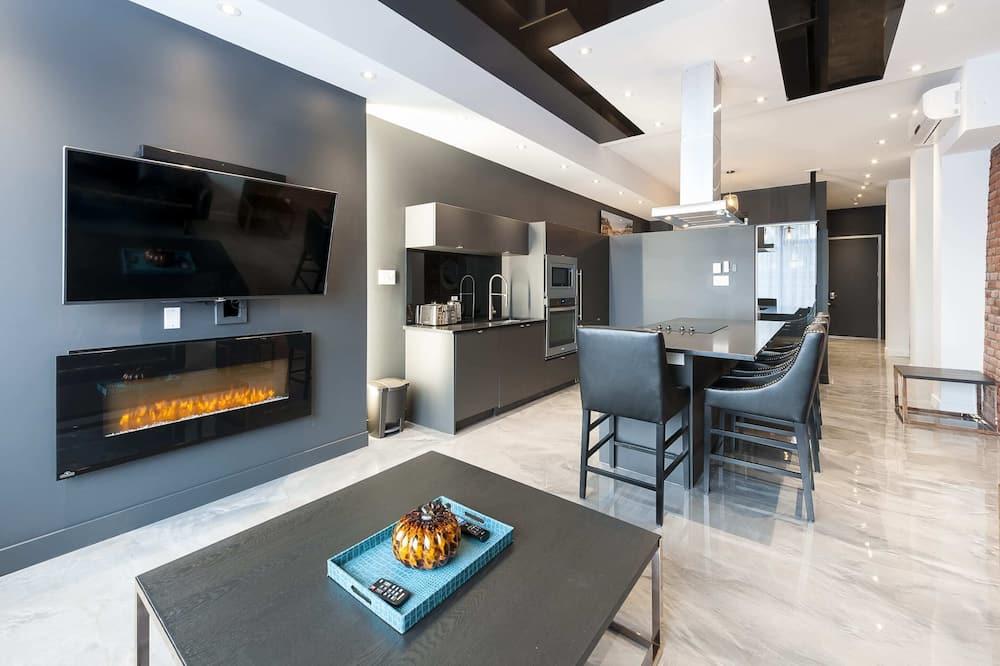 Loft, 1 Bedroom (1302) - Living Room
