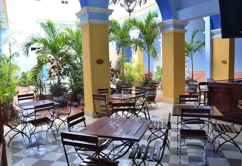 Hotel DON Florencio, Sancti Spíritus, Hotelový salónik