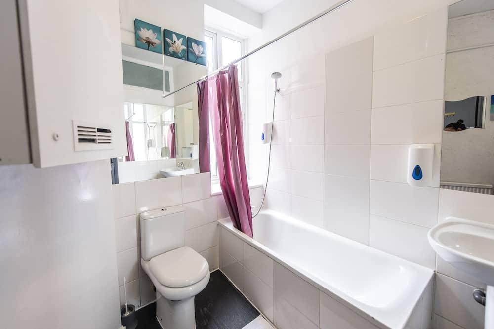 Dvivietis kambarys, bendras vonios kambarys - Vonios kambarys