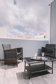 Picture of Oasis Hotel in Santorini