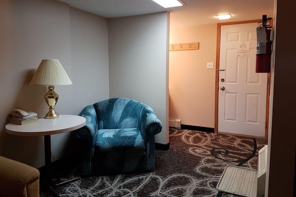 Loft, 1 Bedroom, Non Smoking, Kitchenette - Living Area