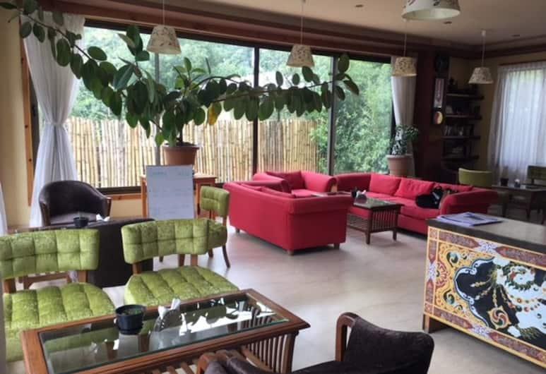 Bhutan Suites, Thimphu, Lobby