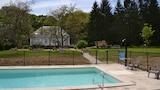Saint-Fargeau hotels,Saint-Fargeau accommodatie, online Saint-Fargeau hotel-reserveringen
