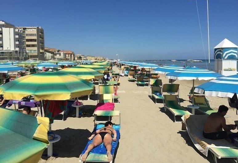 ريزيدنس دورال, ريميني, الشاطئ
