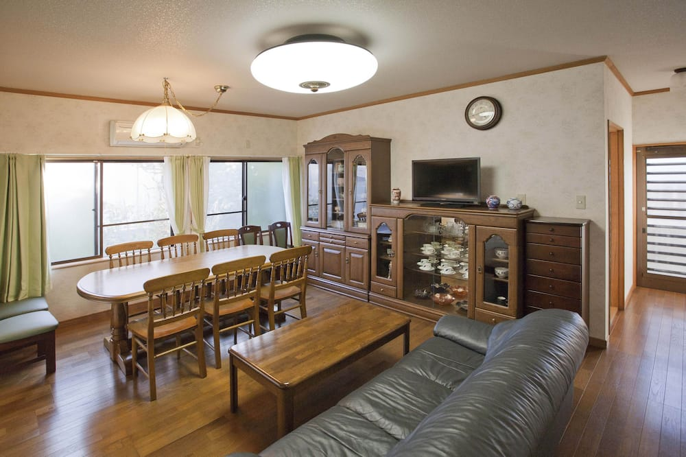 Коттедж, 3 спальни - Обед в номере