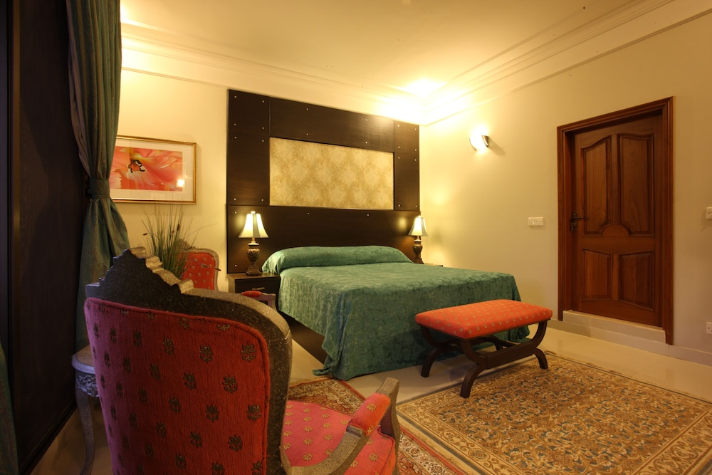 Rooms for dating in karachi