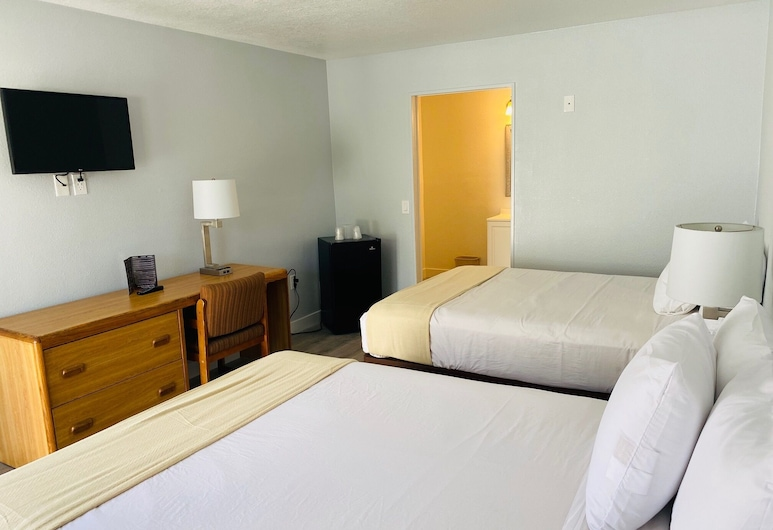 E-Z 8 Motel Old Town, San Diego, Deluxe Double Room, Guest Room