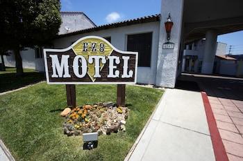 Fotografia hotela (E-Z 8 Motel Old Town) v meste San Diego