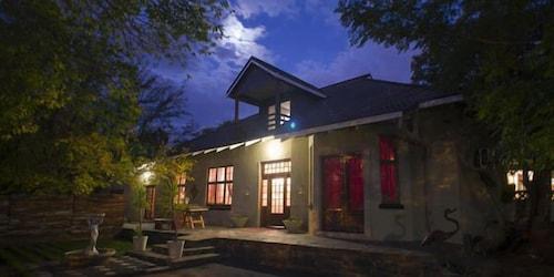 Milner Manor, Bloemfontein