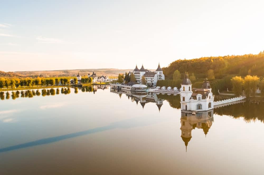 Deniz/göl/nehir manzarası