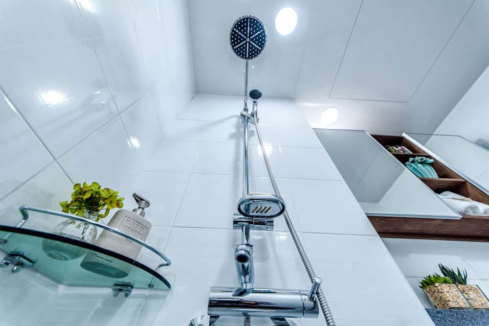 Mattress Room - Sprcha