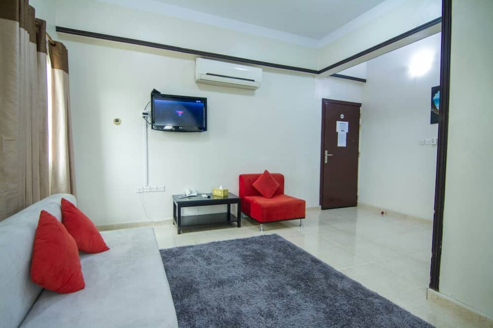 Family Room, 1 Bedroom, Accessible, Non Smoking - Living Area