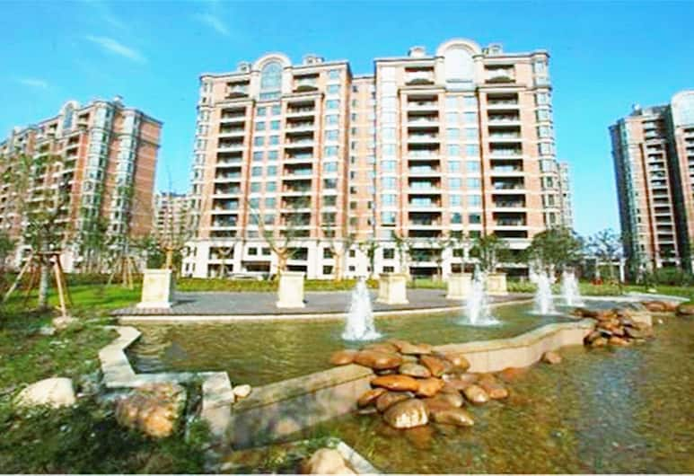 Lanson Place Jin Qiao Service Residences, Shanghai, Front of property