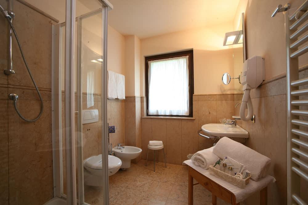 コンフォート ダブルまたはツインルーム - バスルーム