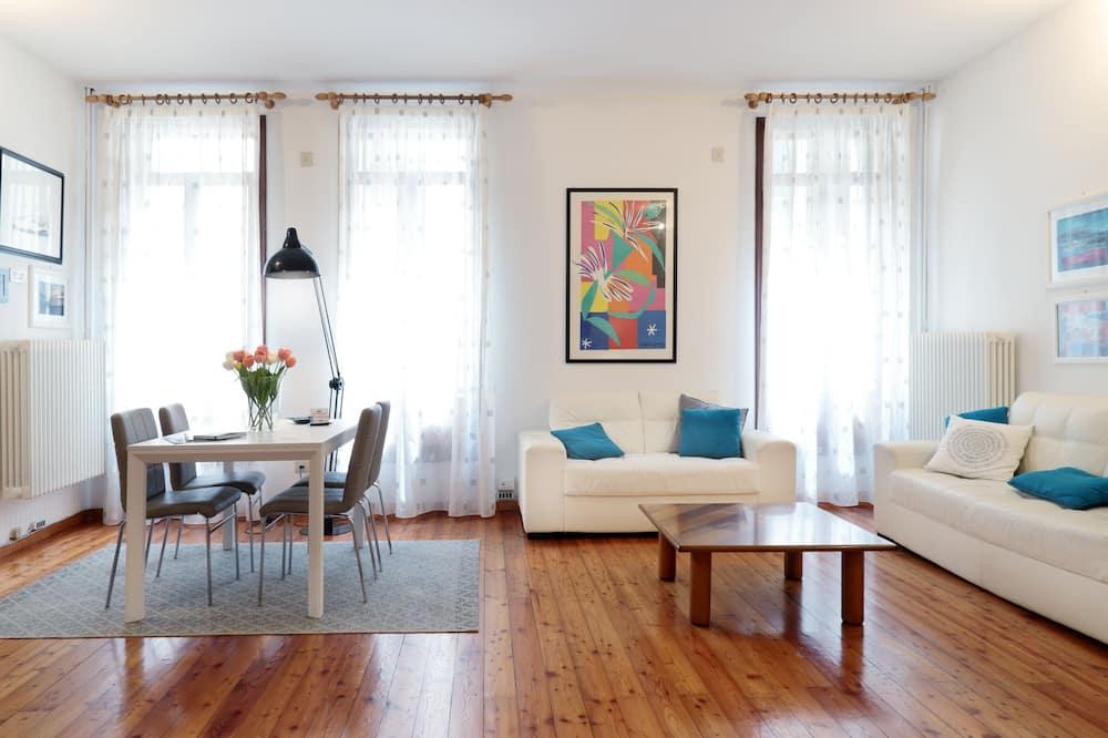 Exclusive Studio Suite - Living Room
