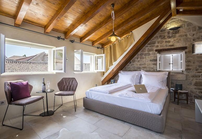Bella Notte Di Spalato, Split, Superior Tek Büyük Yataklı Oda, Şehir Manzaralı, Oturma Alanı