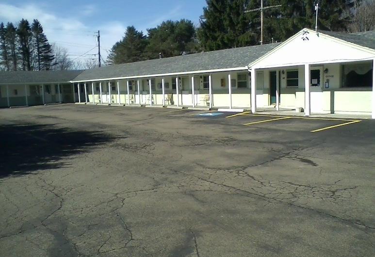 Moonlight Motel, Olean